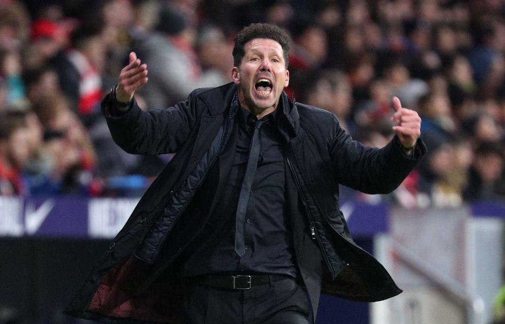 Foto: Simeone, durante el partido entre el Atlético de Madrid y la Real Sociedad. (Reuters)