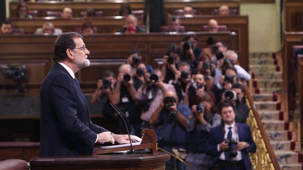 Foto: El presidente del Gobierno, Mariano Rajoy, comparece ante el pleno del Congreso. (EFE)