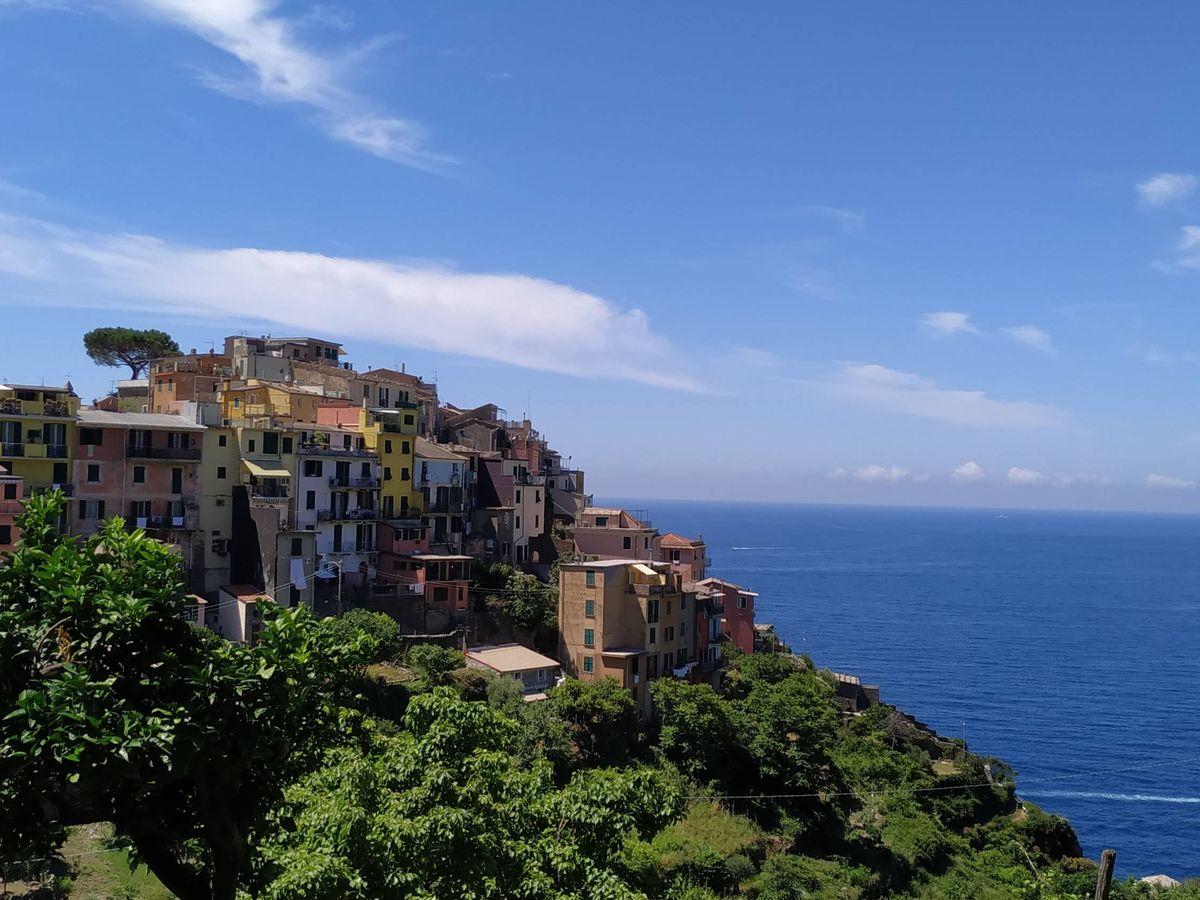 Foto: Pueblos sobre roca que puedes visitar en España. (Debbie Grap para Unsplash)