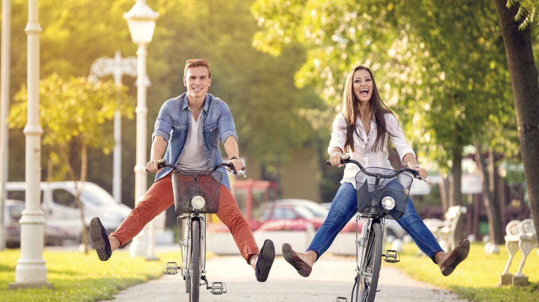 Foto: Están ensayando, pero no, no es montar en bici sin manos, piernas o dientes. (iStock)