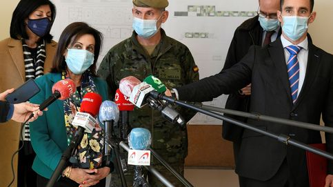Robles elogia la contundencia del JEMAD y dice que no hay ningún militar en activo en el chat