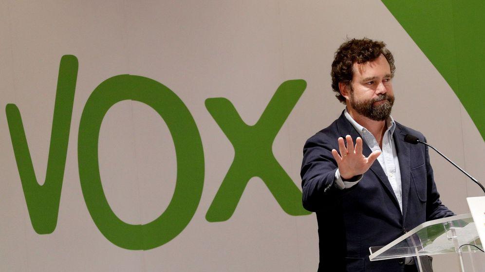 Foto: Iván Espinosa de los Monteros, vicesecretario de Relaciones Internacionales de Vox, en un acto en Pamplona (Efe)