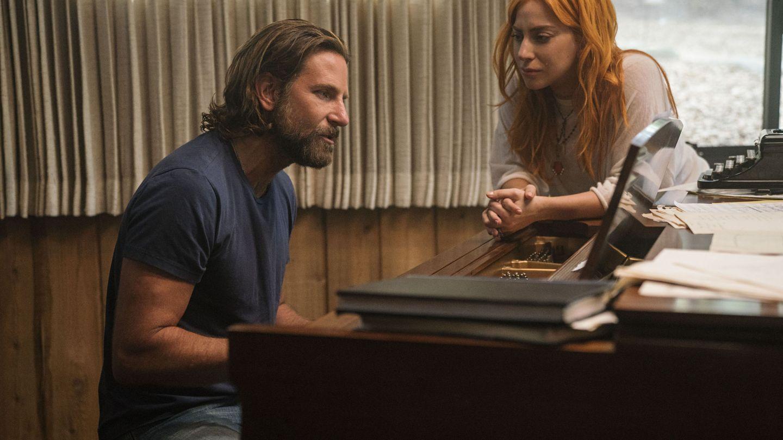 Bradley Cooper y Lady Gaga en 'Ha nacido una estrella'. (EFE)