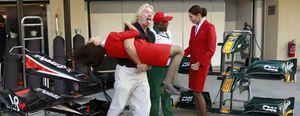 Foto: Sir Tony Fernandes, el jefe más inquieto en F1, sigue los pasos de su maestro Richard Branson