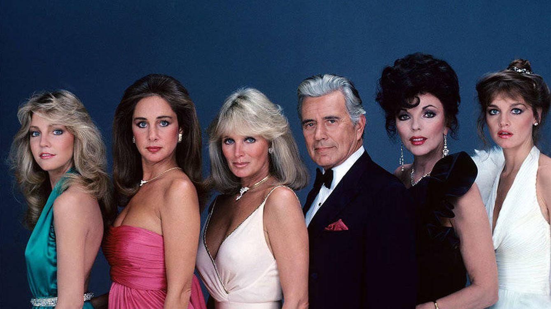 The CW encarga un remake de 'Dinastía' a los creadores de 'Gossip Girl'