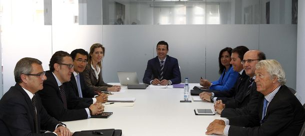 Foto: Imagen del consejo de administración del Valencia.