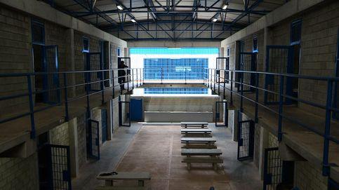 Prisiones vigila a unos 200 presos por riesgo yihadista, según Fernández Díaz