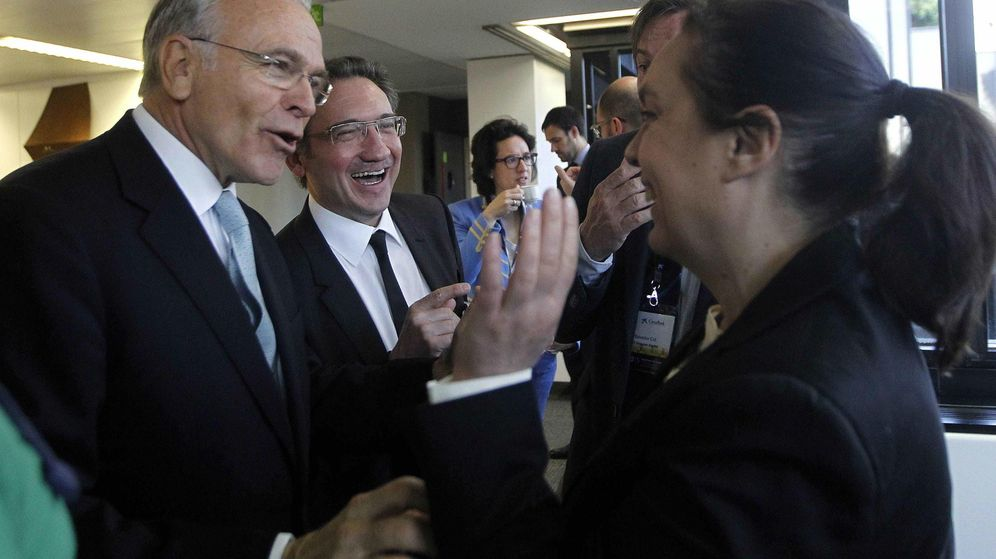 Foto: Isidre Fainé (i), junto a Jaume Giró. (EFE)
