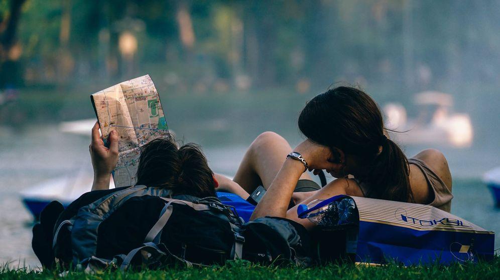 Foto: La mayor parte de los españoles viaja en pareja