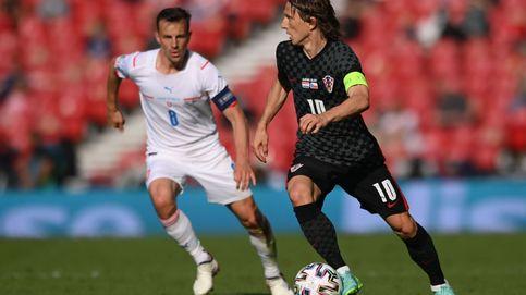 Croacia sigue el ejemplo de Modric y se agarra a la Eurocopa (1-1)