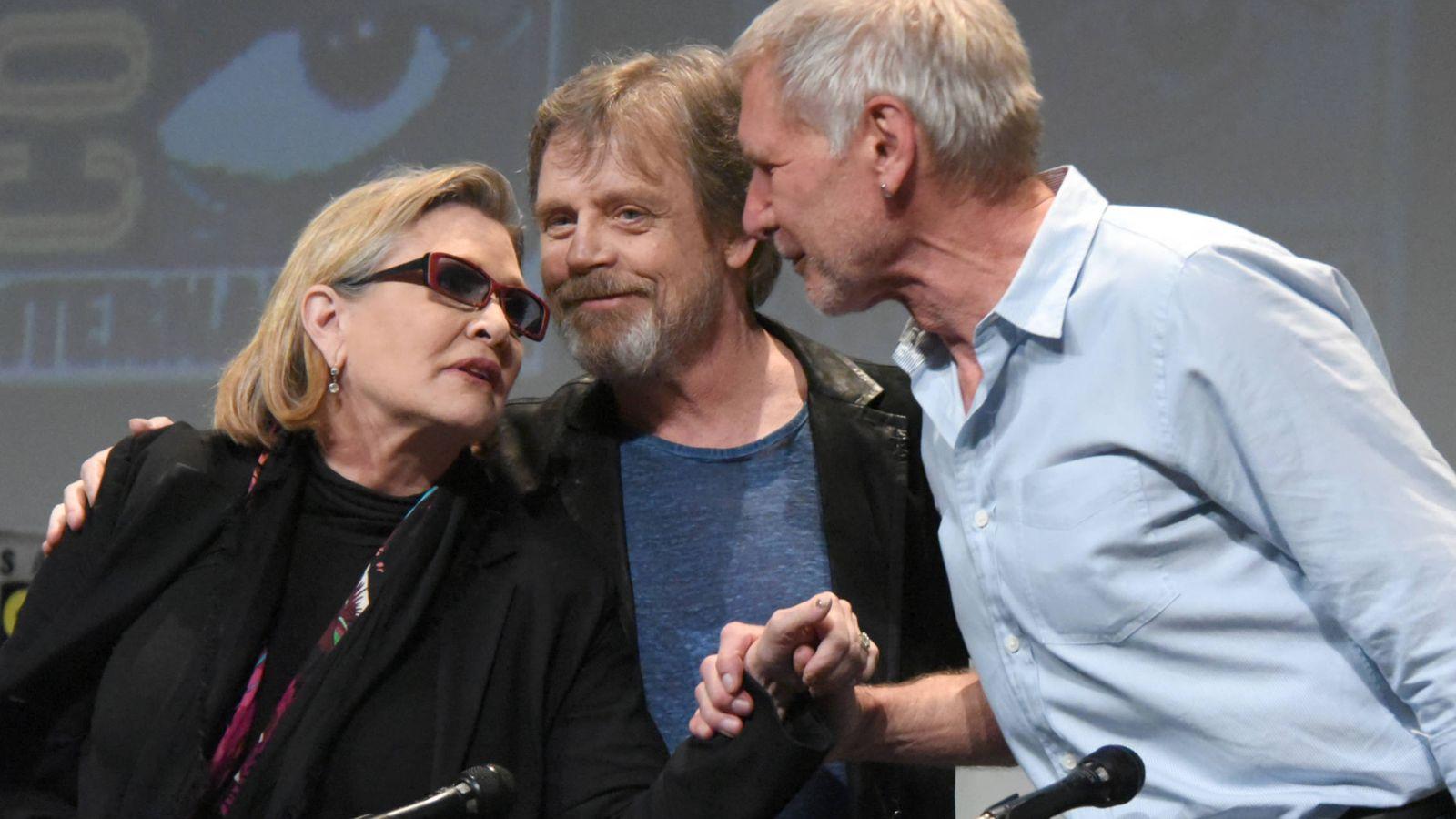 Noticias de Famosos El emotivo adiós de los actores de Star Wars a Carrie Fisher (princesa Leia). Noticias de Celebrities
