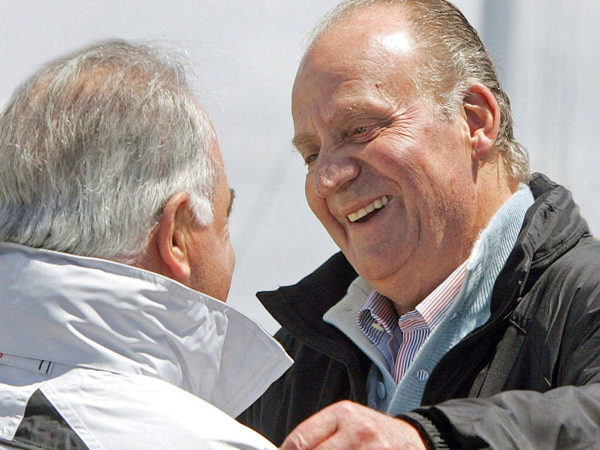 Foto: El rey Juan Carlos, durante una de sus estancias en Cascais, junto a Patrick Monteiro. (Reuters)