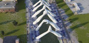 Post de Lorenzo Quinn pone los puentes a la Bienal de Venecia