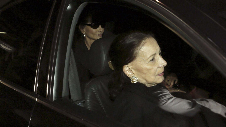 Beatriz, a su llegada al velatorio de Miguel Boyer. (EFE)