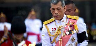 Post de La última locura del rey de Tailandia en Alemania: pilota un avión de forma peligrosa