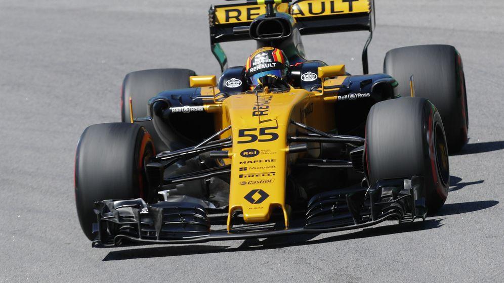 Foto: Carlos Sainz empezó el fin de semana del GP de Brasil con empuje aunque por detrás de su compañero de equipo. (EFE)