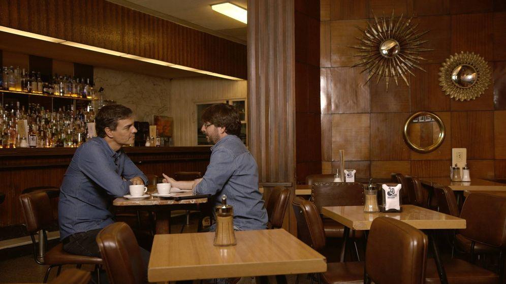 Foto: Pedro Sánchez conversa con el periodista Jordi Évole en el programa 'Salvados'. (La Sexta)