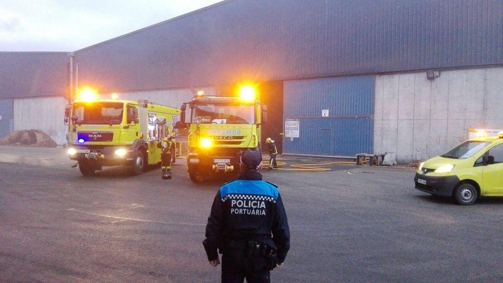 Incendio en el puerto de Tarragona coincidiendo con el pulso de la estiba