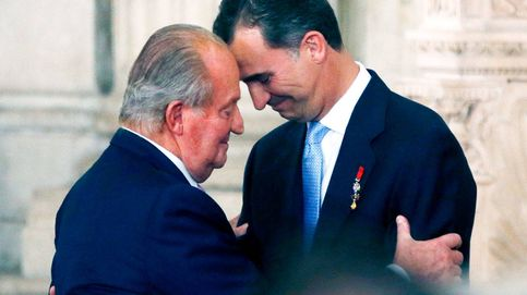 Los tres diferentes proyectos que llevarán al rey Juan Carlos, Felipe y Letizia a televisión