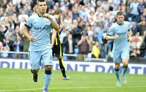 El Kun da cuerda al City, mientras que el Chelsea continúa invicto