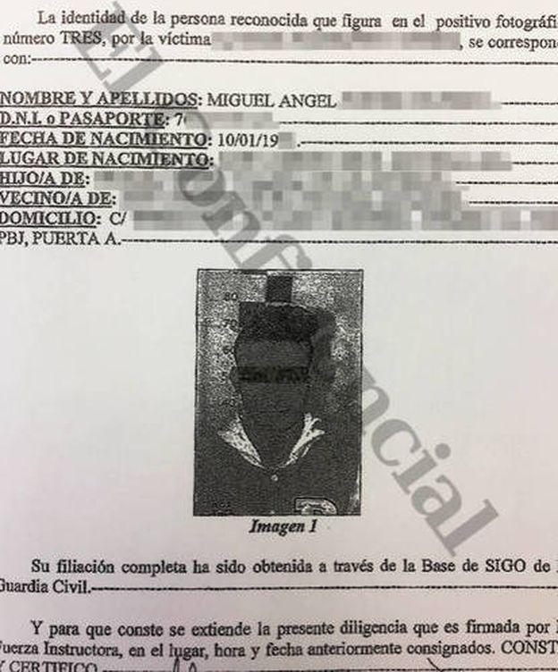 Foto:  Imagen de la ficha policial de uno de los acusados. (EC)