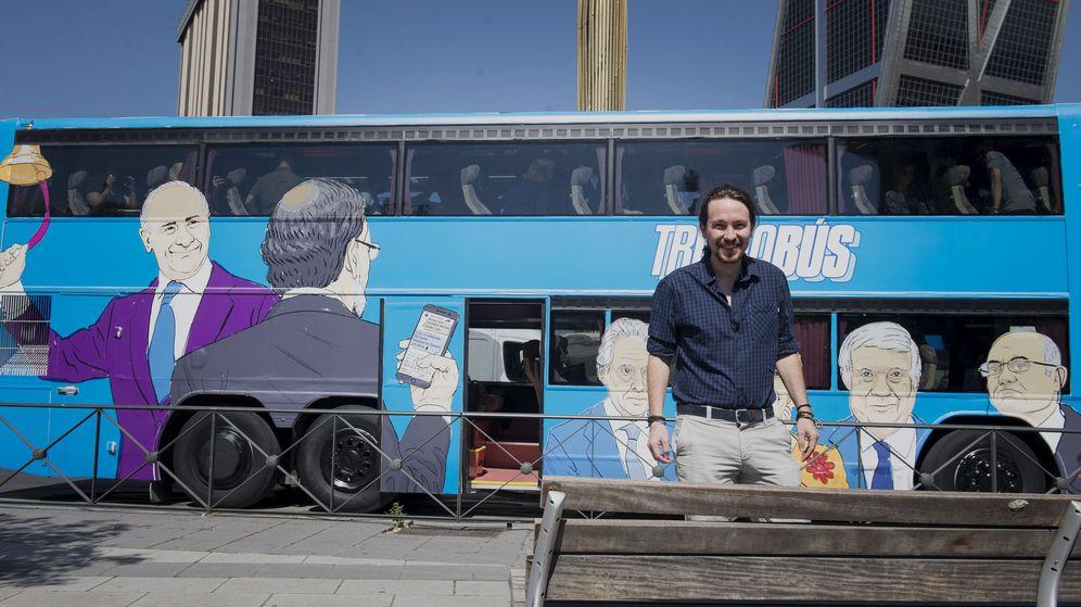 Foto: Podemos pone a circular su 'Tramabús'. (EFE)