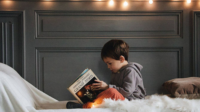 Crea un agradable rincón de lectura infantil con prácticos elementos decorativos