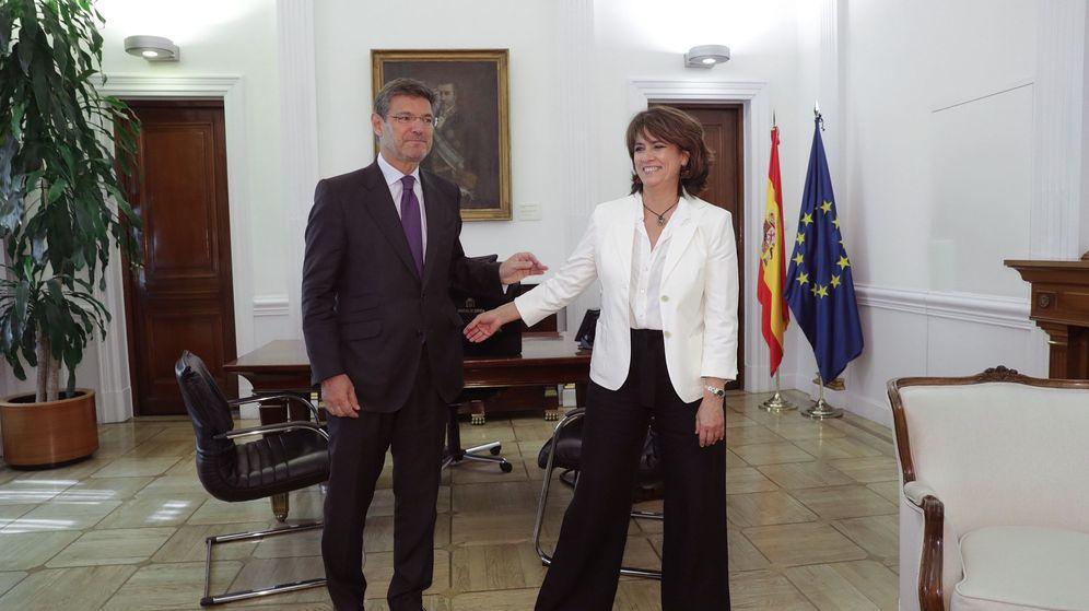 Foto: Rafael Catalá y Dolores Delgado. EFE
