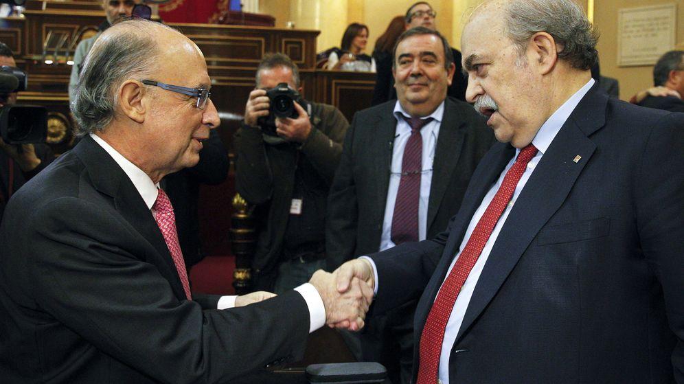 Foto: El ministro de Hacienda, Cristóbal Montoro, y el conseller catalán de Economía, Andreu Mas-Colell. (EFE)