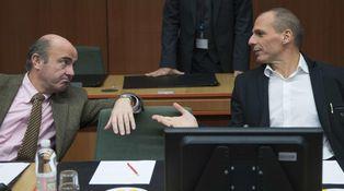 El comienzo de una larga amistad: Varufakis también es del Atleti, como Guindos