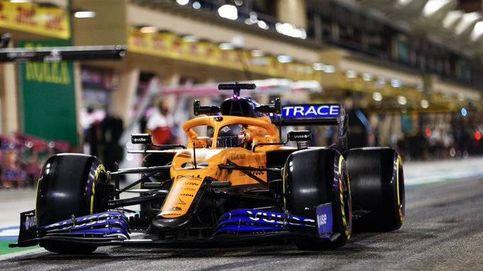 Carlos Sainz se rasca la cabeza y a McLaren se le tuerce la cara dentro y fuera de la pista