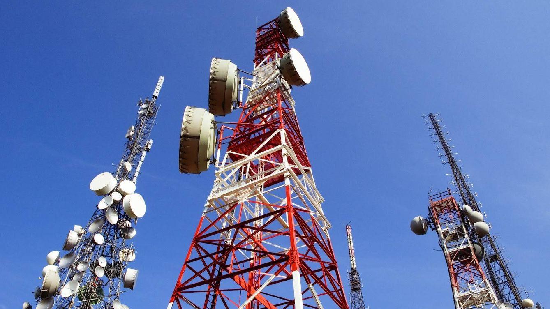 Micromultas para macrofraudes: a las telecos les sale barato saltarse la ley
