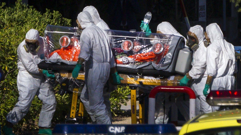 Foto: Llegada del primer español contagiado de ébola, Miguel Pajares. (EFE)