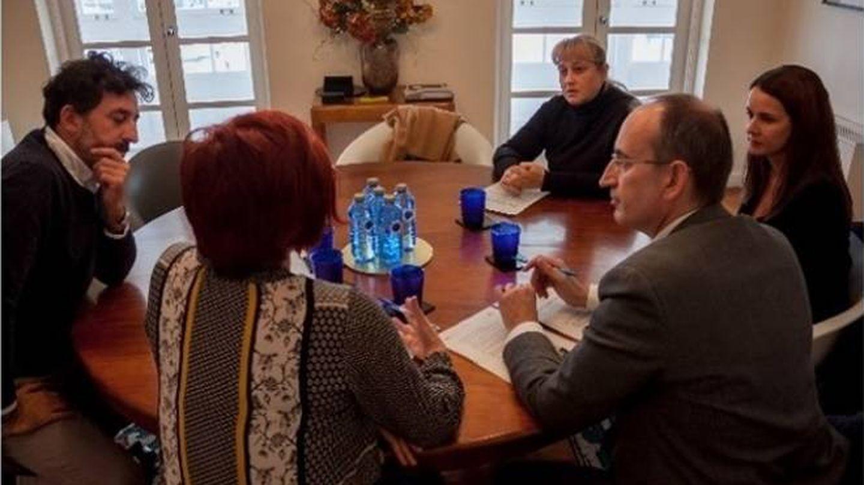 Acuerdo firmado por Sandra Ortega y Repsol. (Fundación Padeia)