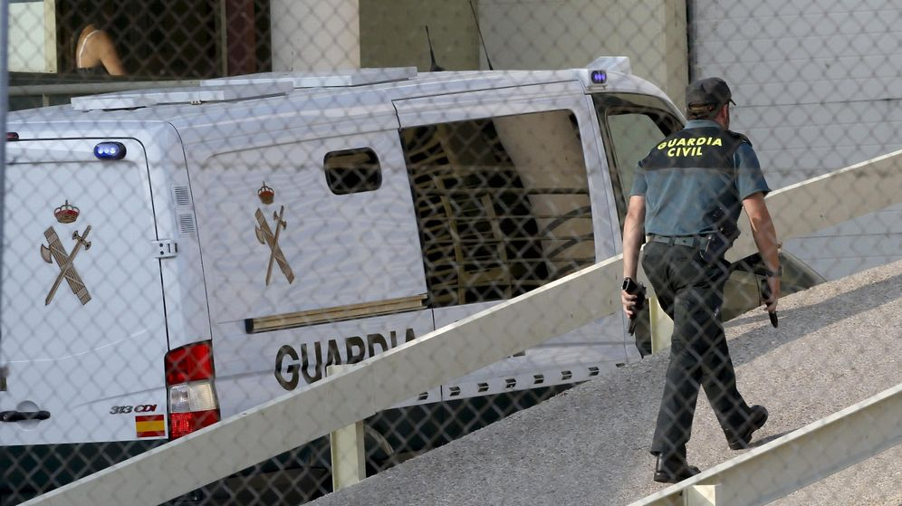 Foto: Un guardia civil, en la cárcel de Soto del Real en una foto de archivo. (EFE)