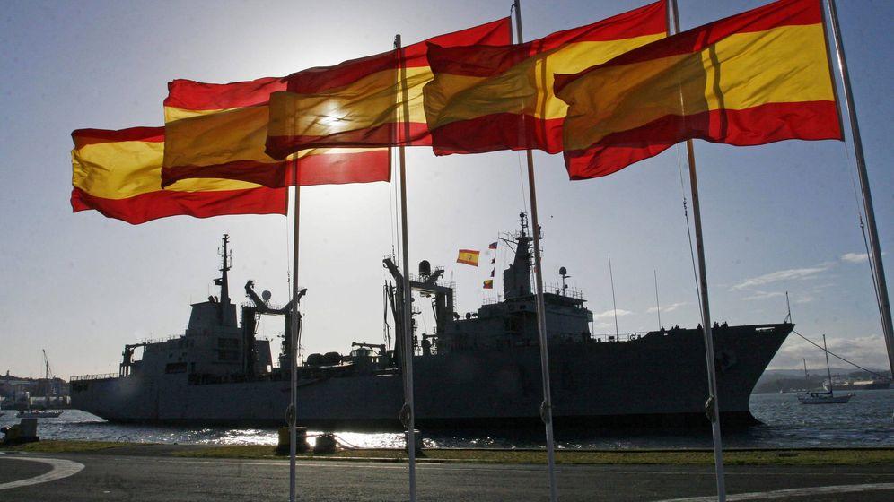 Foto: El Buque de Aprovisionamiento y Combate 'Patiño' atraca en su base del Arsenal Militar de Ferrol. (EFE)