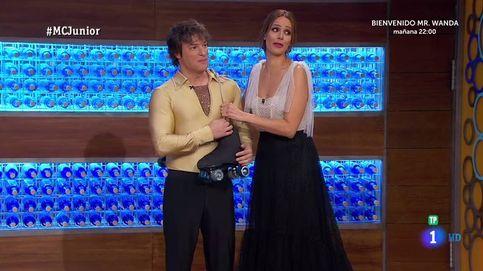 Jordi Cruz le roba el protagonismo a los niños con un ceñido disfraz