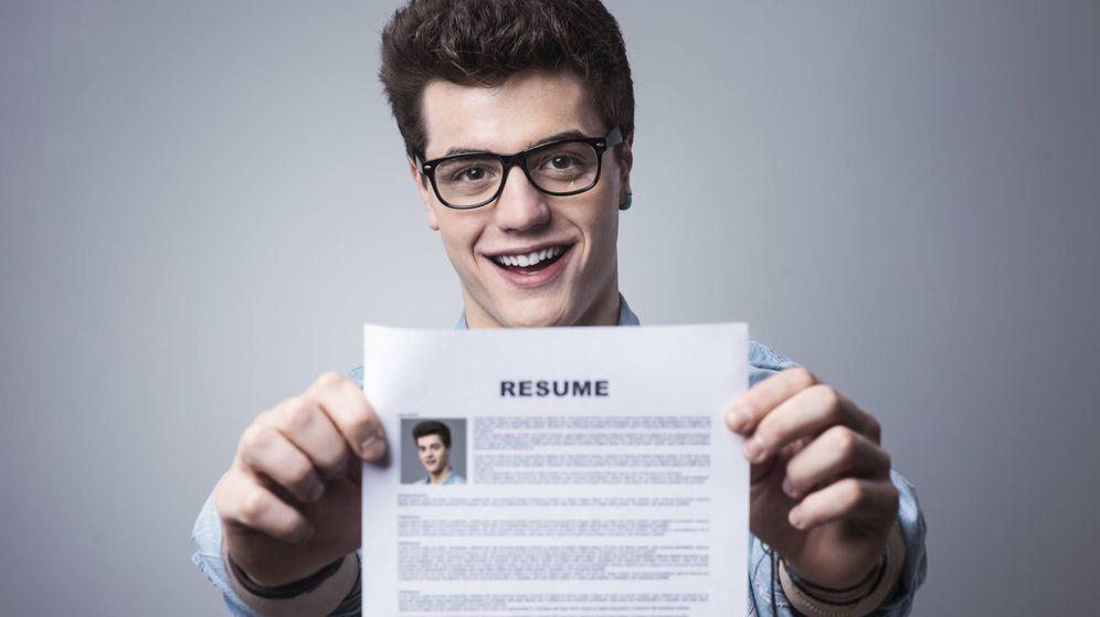 Foto: Muy bonito tu CV, pero igual poner que te gusta jugar al buscaminas no es necesario. (iStock)