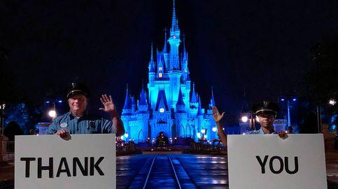 Disney se ilumina de azul para agradecer su trabajo a los sanitarios contra el virus
