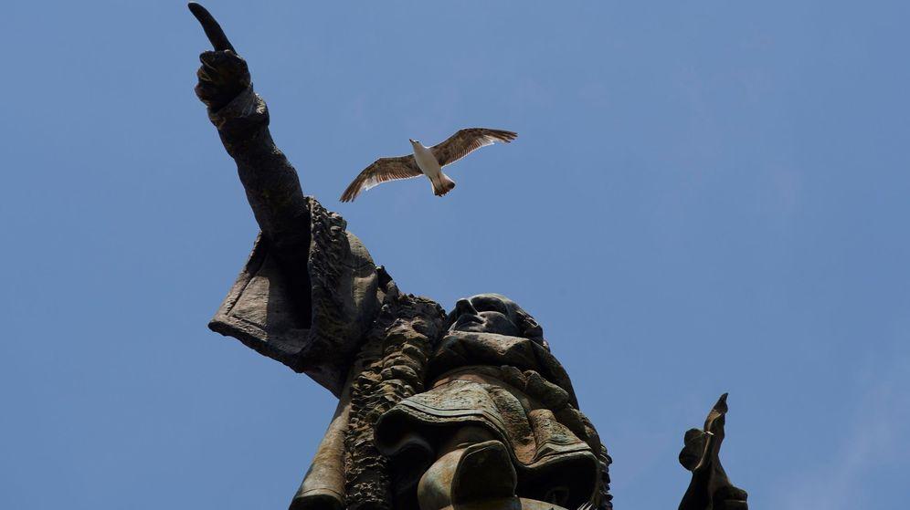 Foto: Detalle de la estatua de Colón situada al final de las Ramblas de Barcelona. (EFE)