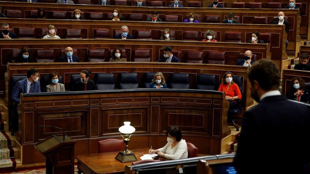 Foto: Pablo Casado interviene en el Congreso frente a Pedro Sánchez. (EFE)