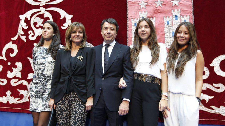 Ignacio González retoma a lo grande la boda de su hija con desbandada de vips