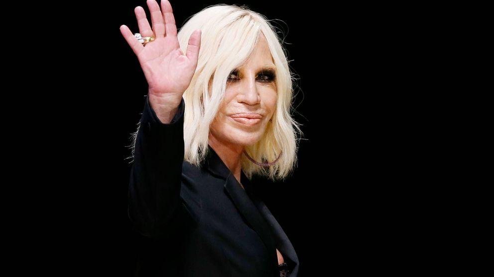 Donatella Versace vende la marca por 1.830 millones y será directora creativa