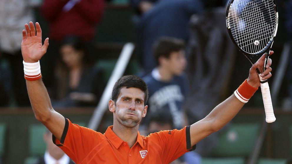 Djokovic acaba con el idilio de Nadal en Roland Garros y le elimina en cuartos