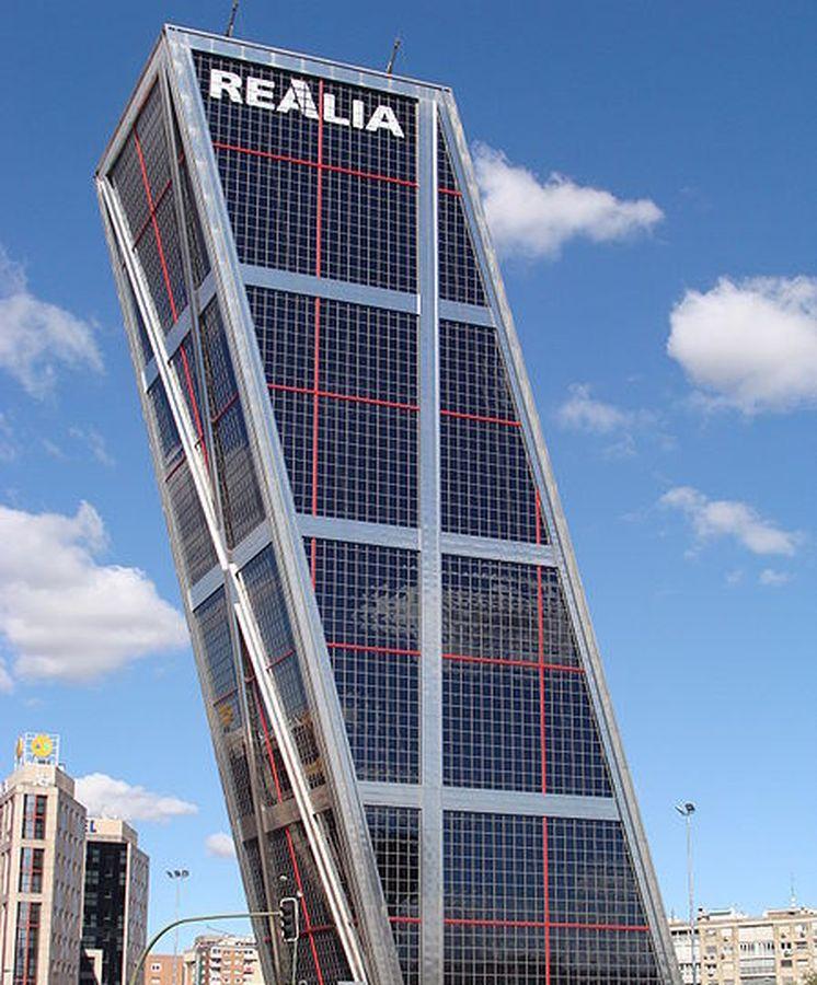 Foto: Imagen de la Torre KIO de Realia