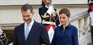 Post de Los 7 looks favoritos de la reina Letizia: estas son las piezas que más ha repetido