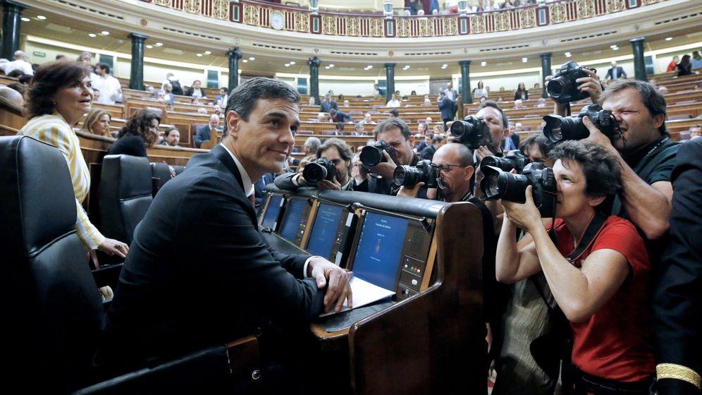 Foto: El presidente del Gobierno, Pedro Sánchez, en la sesión de control en el Congreso. (EFE)