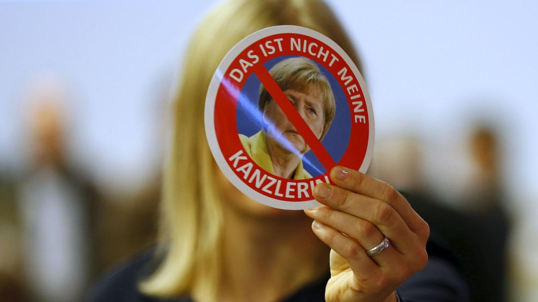 Una votante de Alternativa para Alemania (AfD) durante el congreso del partido en Hannover (Reuters).