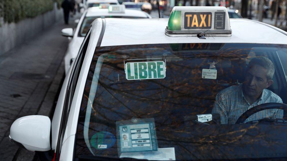 Foto: Un taxista es detenido en Tenerife por una presunta agresión sexual a una clienta. (Efe)