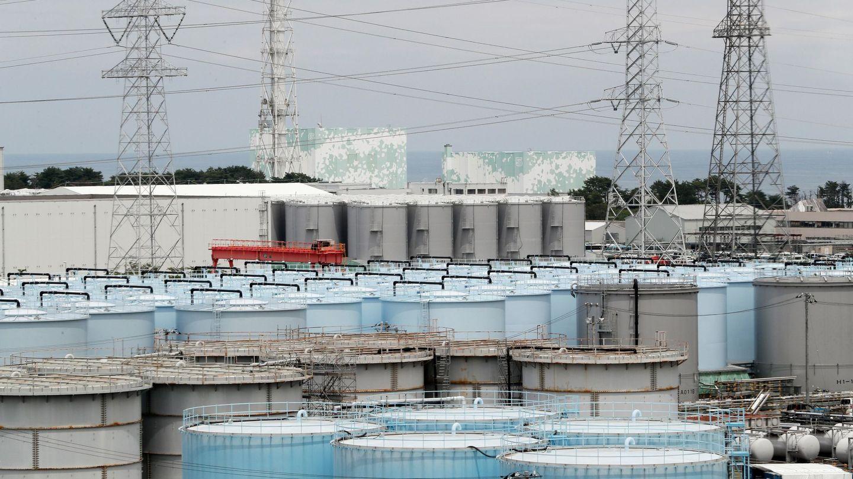 Imagen de los tanques donde se almacena el agua contaminada con radiación en la prefectura de Fukushima, Japón. (EFE)
